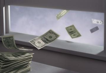 Названа сумма утекших из России за 30 лет денег