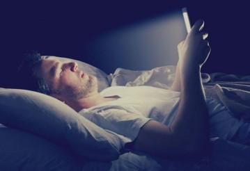 Смартфоны признали опасными для здоровья