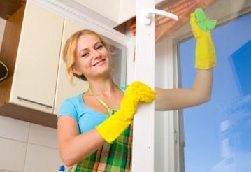 Пластиковые окна: советы о том, как легко отмыть любую грязь