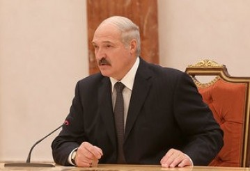 Президент: Если наши военнослужащие поедут куда-то миротворцами, и я, и мой сын поедем туда. Фото: пресс-служба президента Беларуси