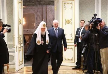 Лукашенко пообещал cделать все, чтобы остановить братоубийственную войну в Украине
