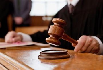 Лукашенко уволил четырех судей за дискредитирующий проступок