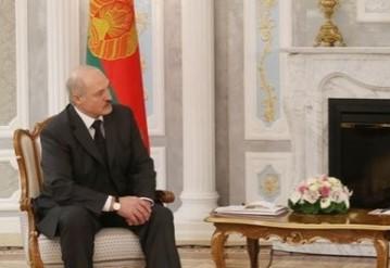 Президент Беларуси Александр Лукашенко с заместителем помощника министра обороны США Майклом Карпентером. Фото: пресс-служба президента Беларуси