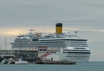 Лайнер Costa Concordia. Фото пользователя saralapappa с сайта Wikipedia.org