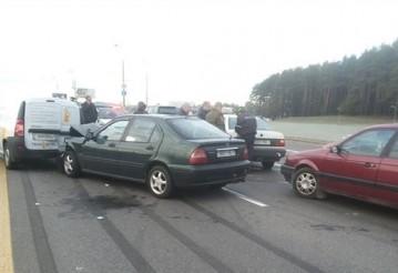 На Минской кольцевой столкнулись пять автомобилей. Источник фото: БелТА