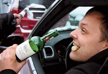 В Могилеве пьяный пассажир BMW демонстрировал сотрудникам ГАИ гениталии