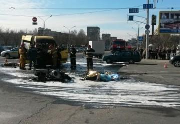 В Минске байк столкнулся с маршрутным такси, оба загорелись. Погибли два человека