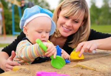 Домохозяйкам с детьми до 7 лет в детсаду не придется платить налог на тунеядство за прошлые годы. Фото delomet.ru