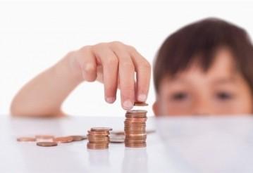 С 1 февраля вырастут детские пособия и выплаты при рождении детей