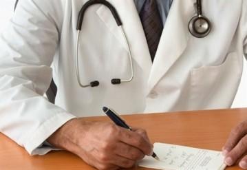 В Беларуси оклады врачам-интернам повысили на 40%