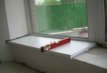 Как установить подоконник с окном ПВХ?