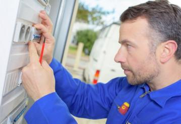 Как вызвать электрика на дом в Витебске