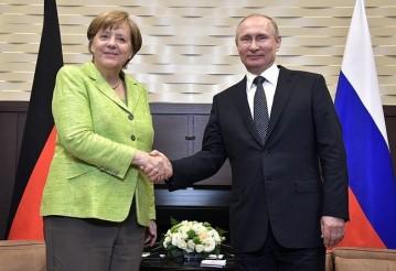 Ангела Меркель и Владимир Путин. Фото: пресс-служба президента России