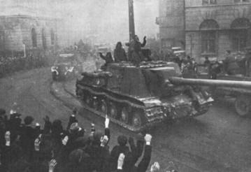 Советские войска в освобожденном городе Лодзь, январь 1945 года. Фото: Wikipedia