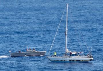 В Тихом океане спасли американок, пять месяцев дрейфовавших на сломанной на яхте